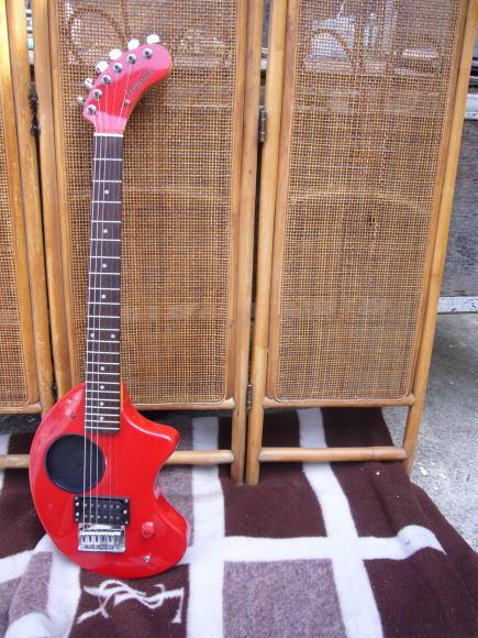 ギターの買取り廃棄処分